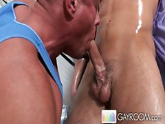 Gayroom Deep Massage
