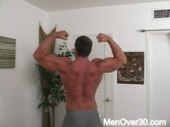 Aaron Giant From MenOver30